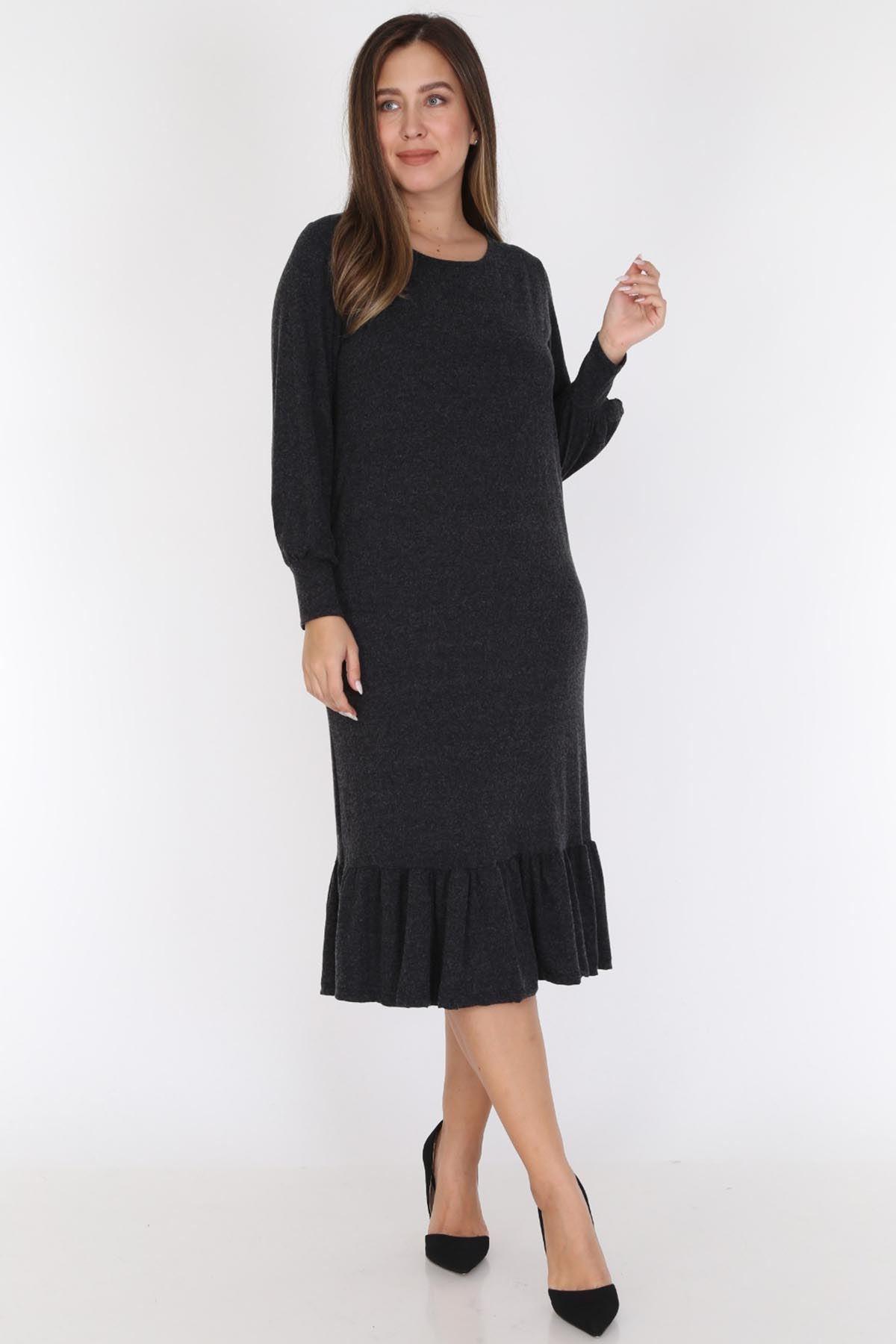 Siyah Eteği Fırfırlı Büyük Beden Elbise 20D-0783