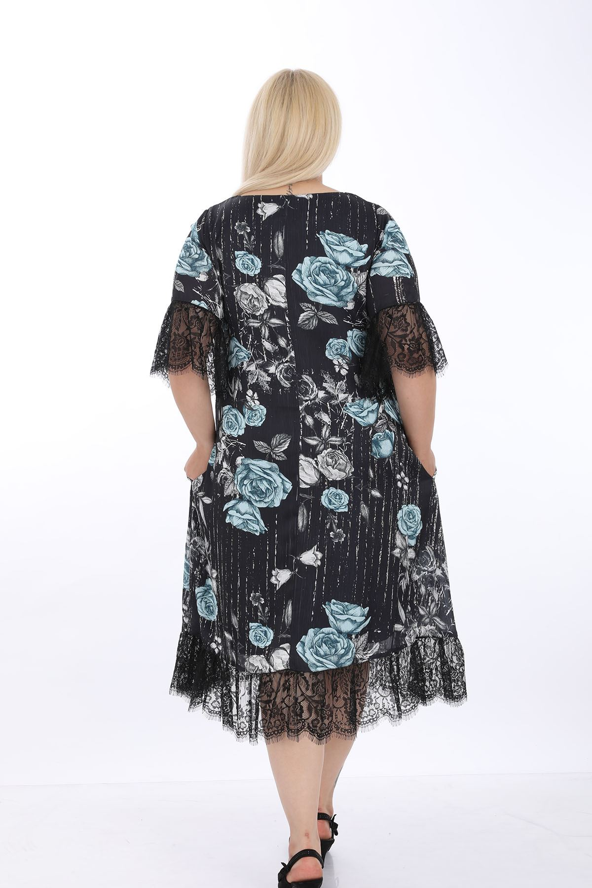Siyah Desenli Dantelli Büyük Beden Elbise J1-1317