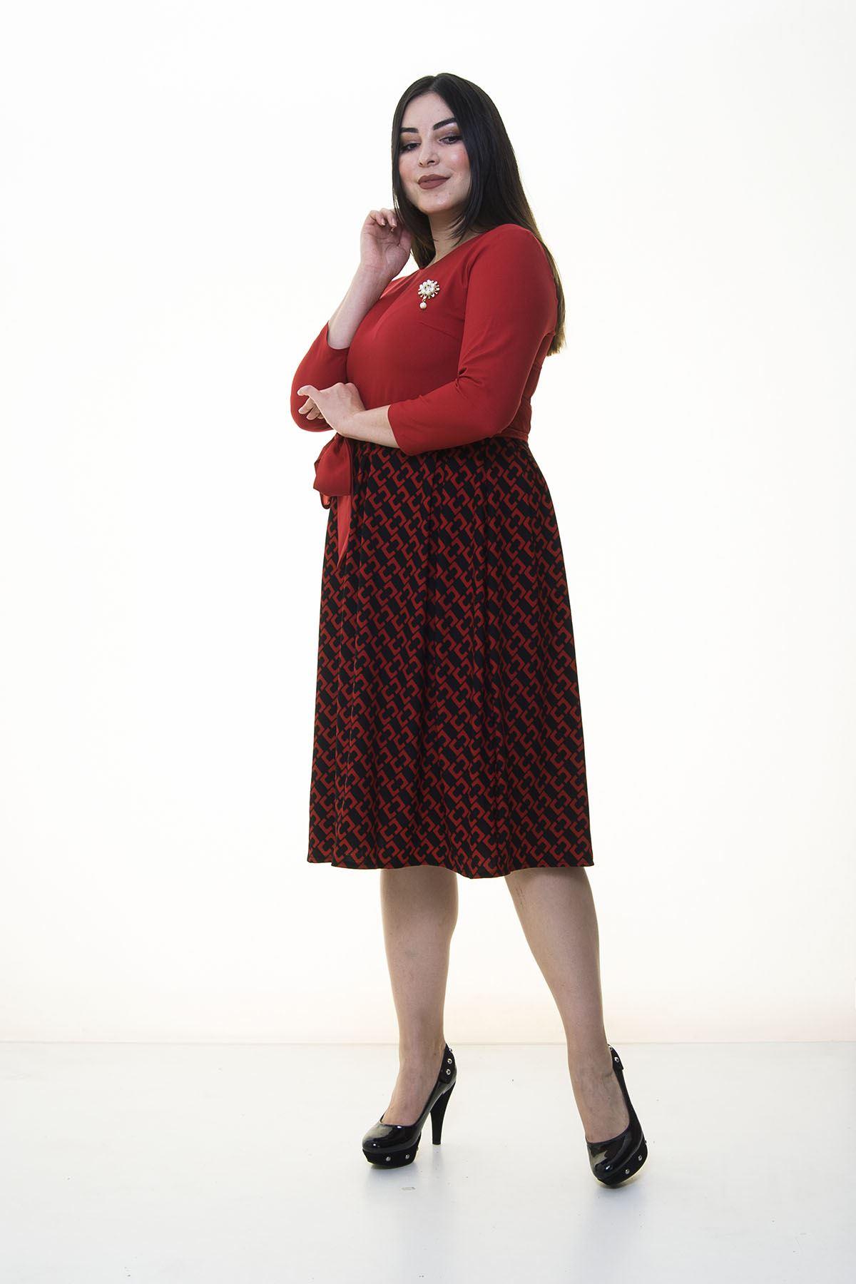 Kırmızı Eteği Kloş Büyük Beden Elbise 25A-094199