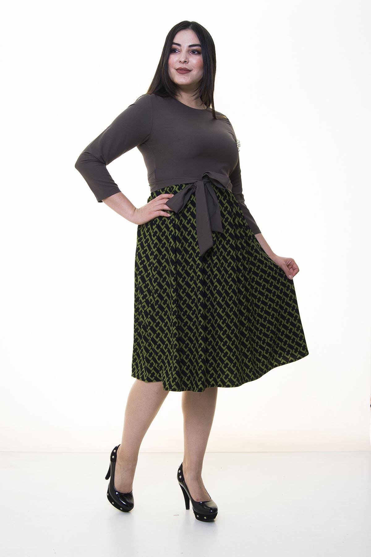 Yeşil Kloş Etekli Büyük Beden Elbise 25B-094399