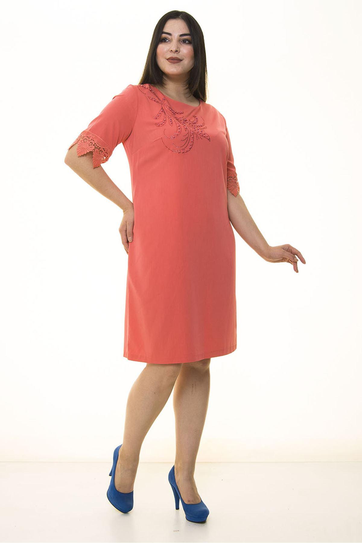 Mercan İncili Büyük Beden Elbise 26C-1333