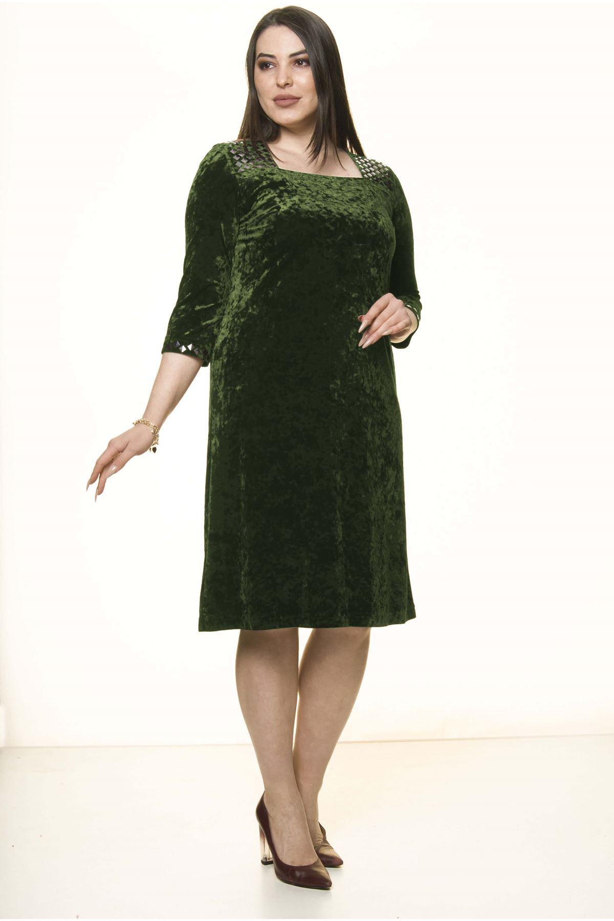 Yeşil Kadife Büyük Beden Elbise 34D-1589