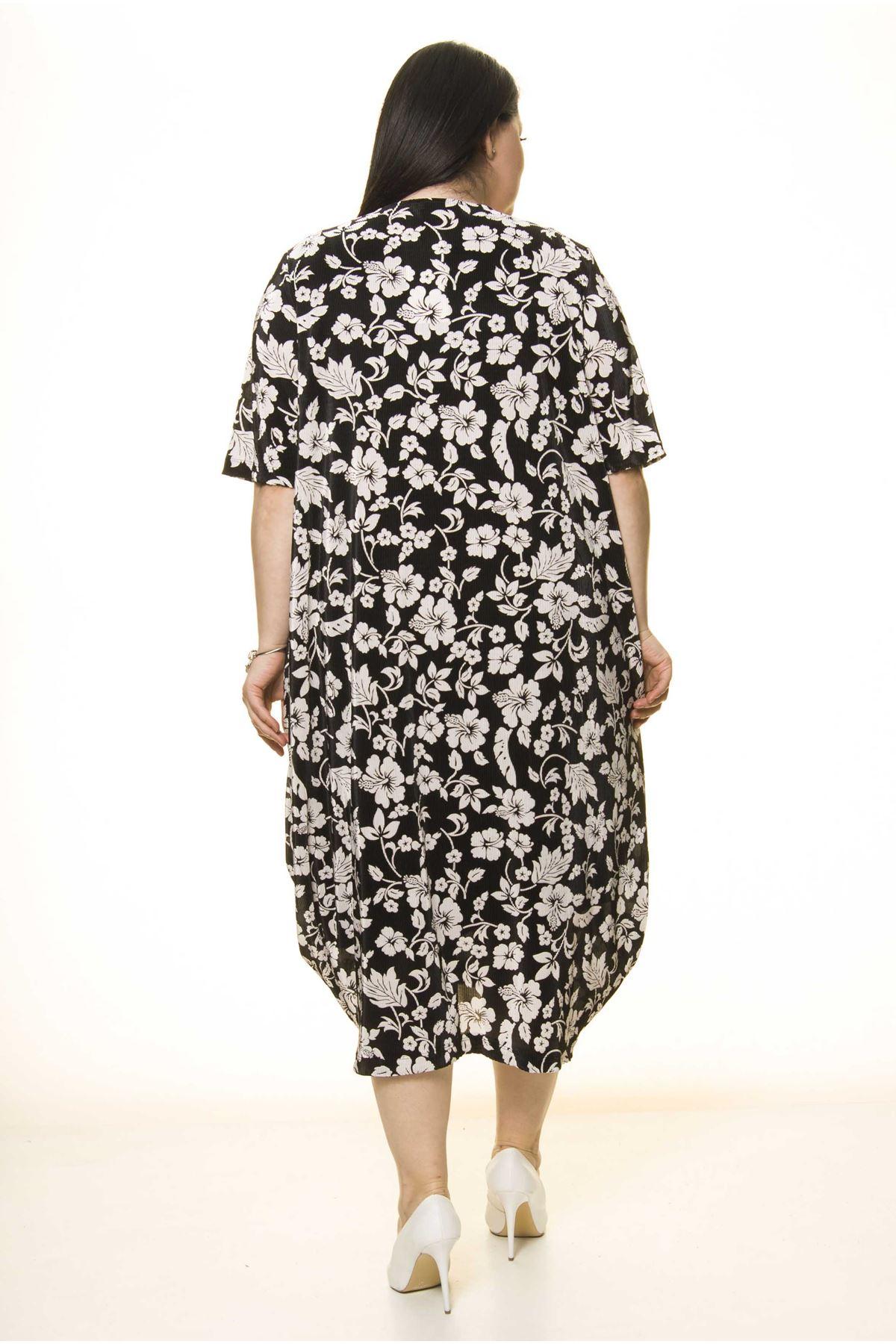 Yaka Detaylı Siyah Cepli Büyük Beden Elbise F10-1734
