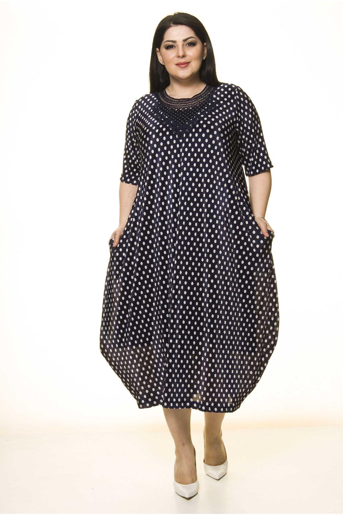 Yaka Detaylı Lacivert Cepli Büyük Beden Elbise F10-1729