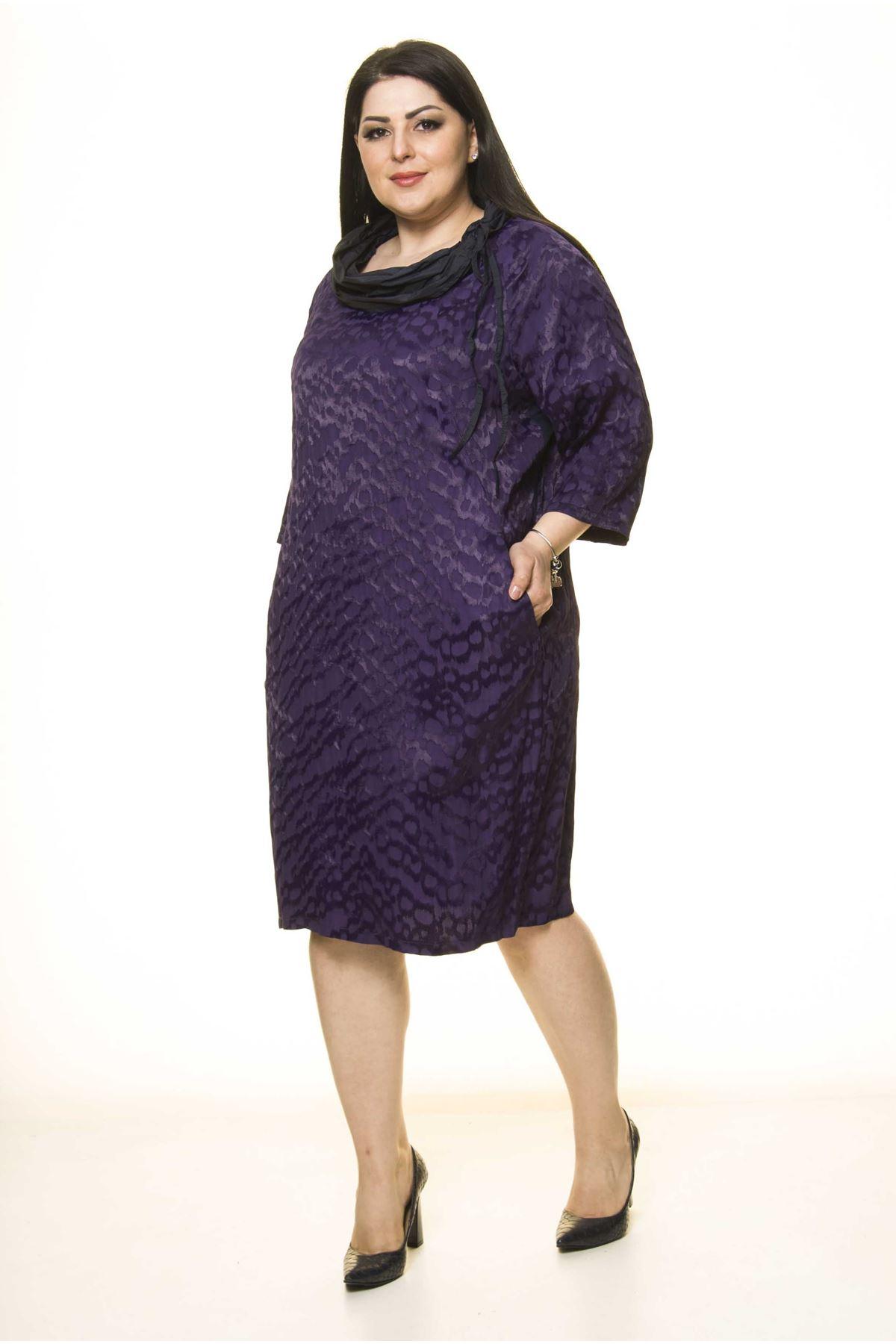 Büyük Beden Yaka Detaylı Elbise G10-1663