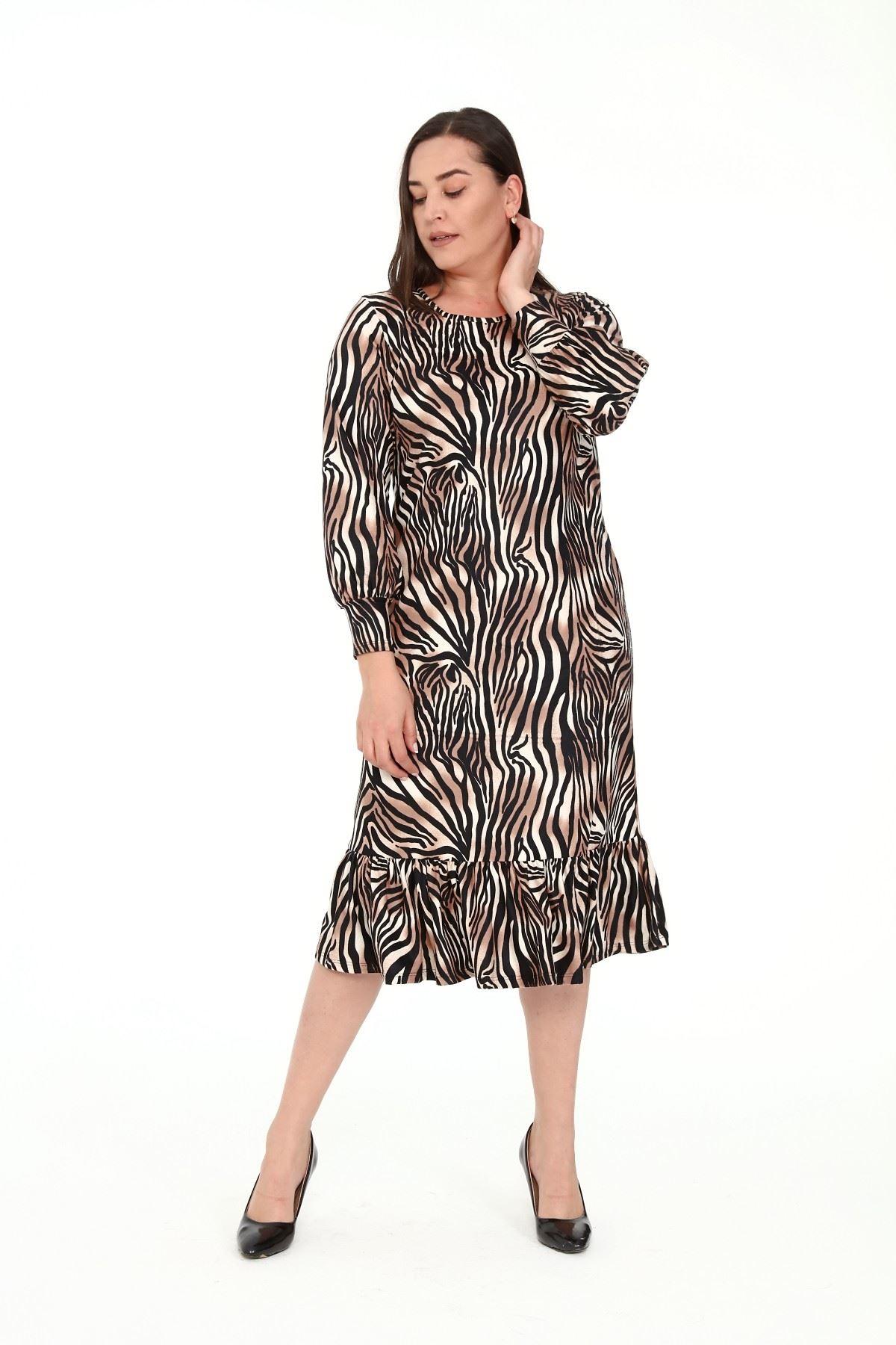 Eteği Fırfırlı Zebra Desen Büyük Beden Elbise 15D-1912